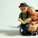 高齢者の転倒リスクを減らすために知っておくべきこと。